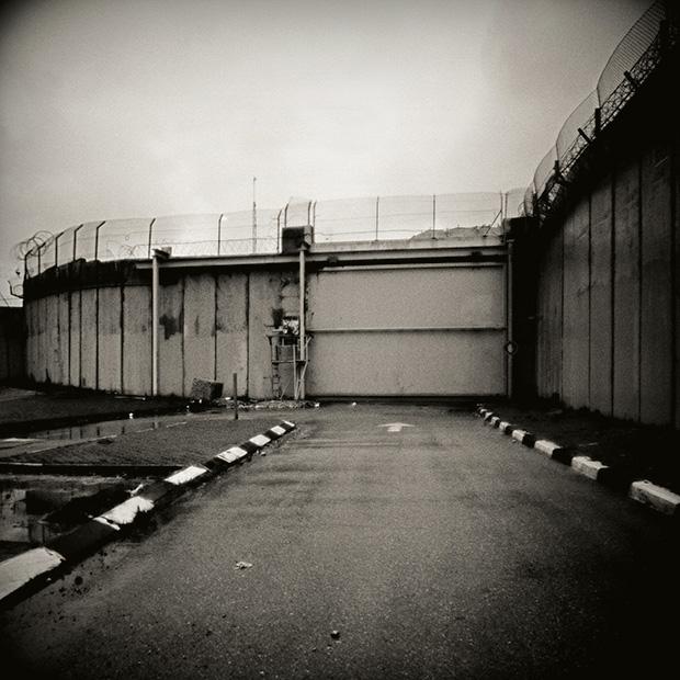 Rula_Halawani-Les-portes-du-Paradis-Jerusalem-2012